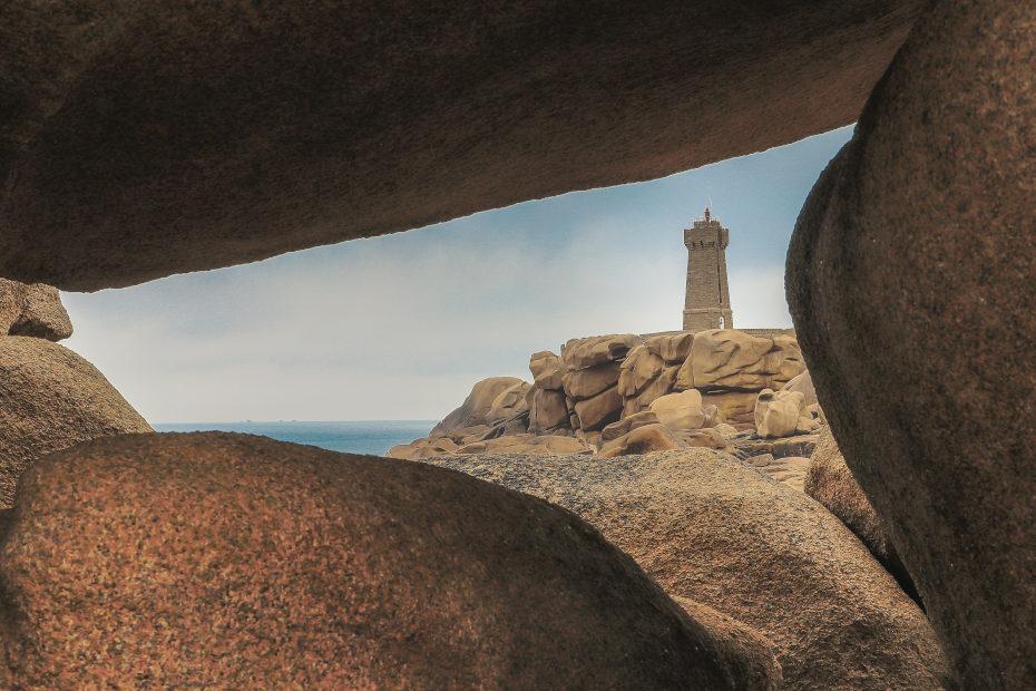 auberge granit rose phare de Ploumanach